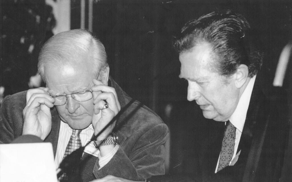 Stellan Nehlmark intervjuade spionromanens mästare John Le Carré på Bokmässan 1999.